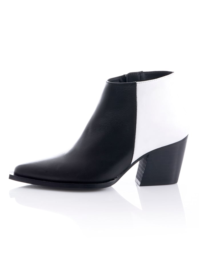 Ankle-Boot im Cowboy-Style