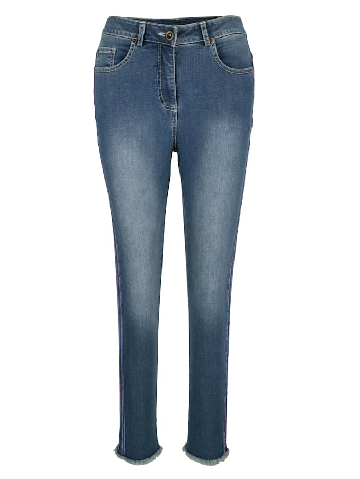 Jeans mit sportiven Bändern
