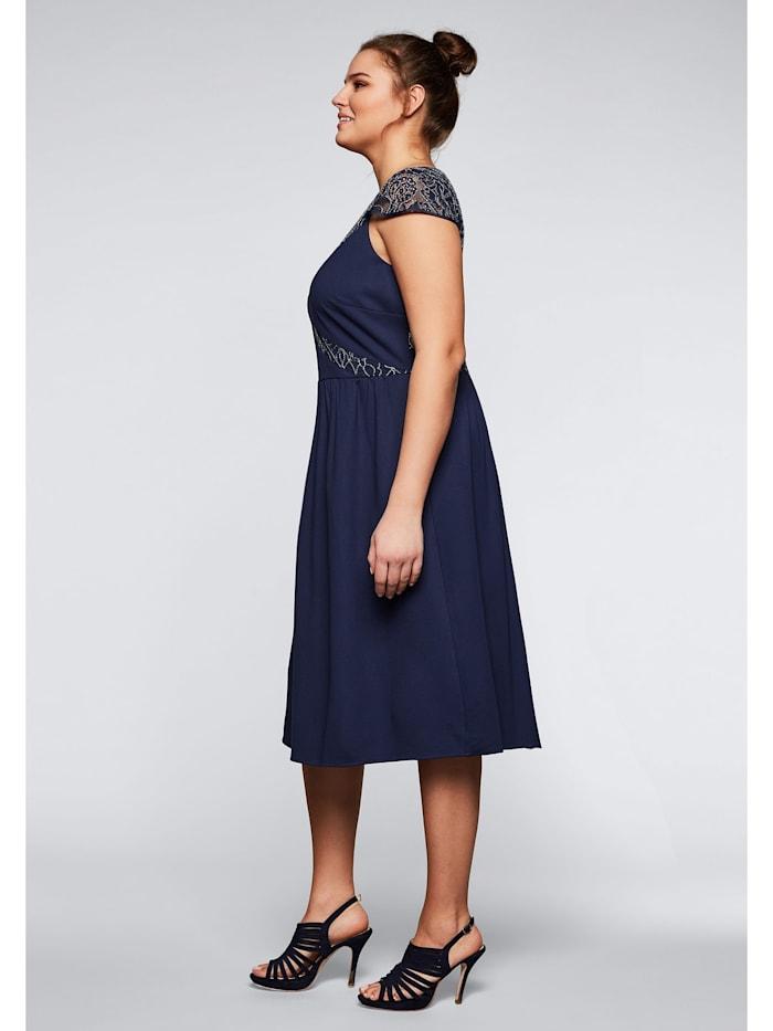 Sheego Kleid mit Spitze und Flügelärmeln