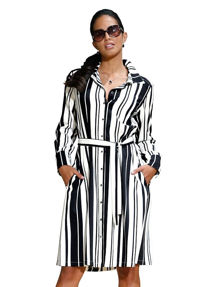 Kleid aus hochwertiger Ware und modischem Streifendruck