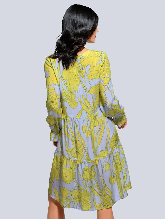 Kleid aus fließender Webware