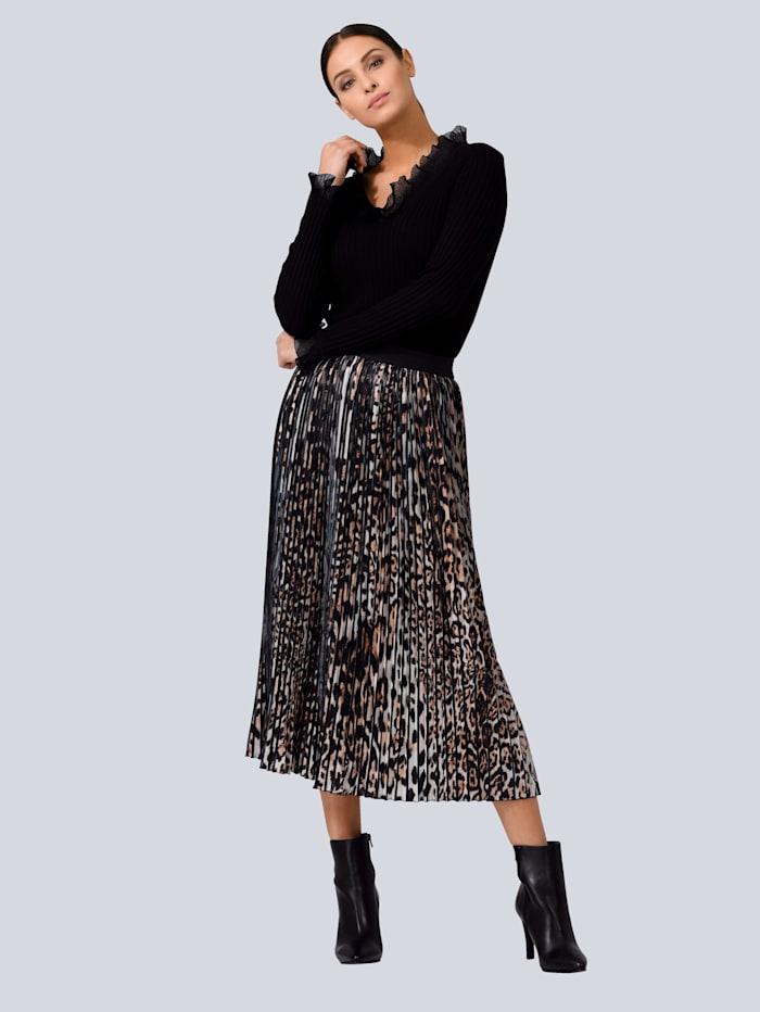 Pullover mit Strickvolant