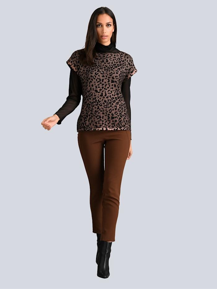 Pullover im leicht verfremdetetn Animal Dessin