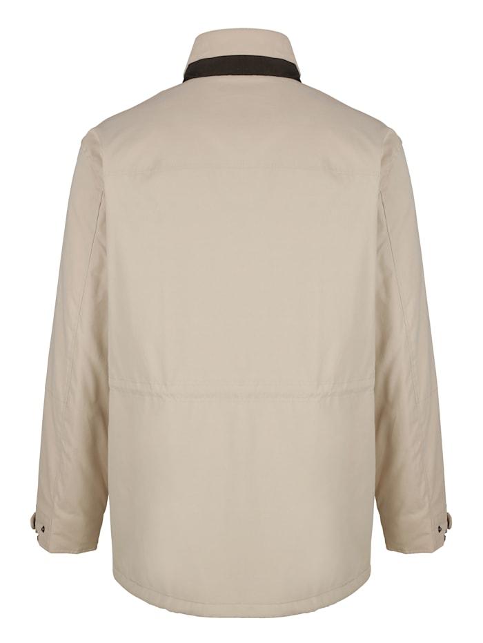 Dlhá bunda s vnútrom goliera vo flísovej kvalite