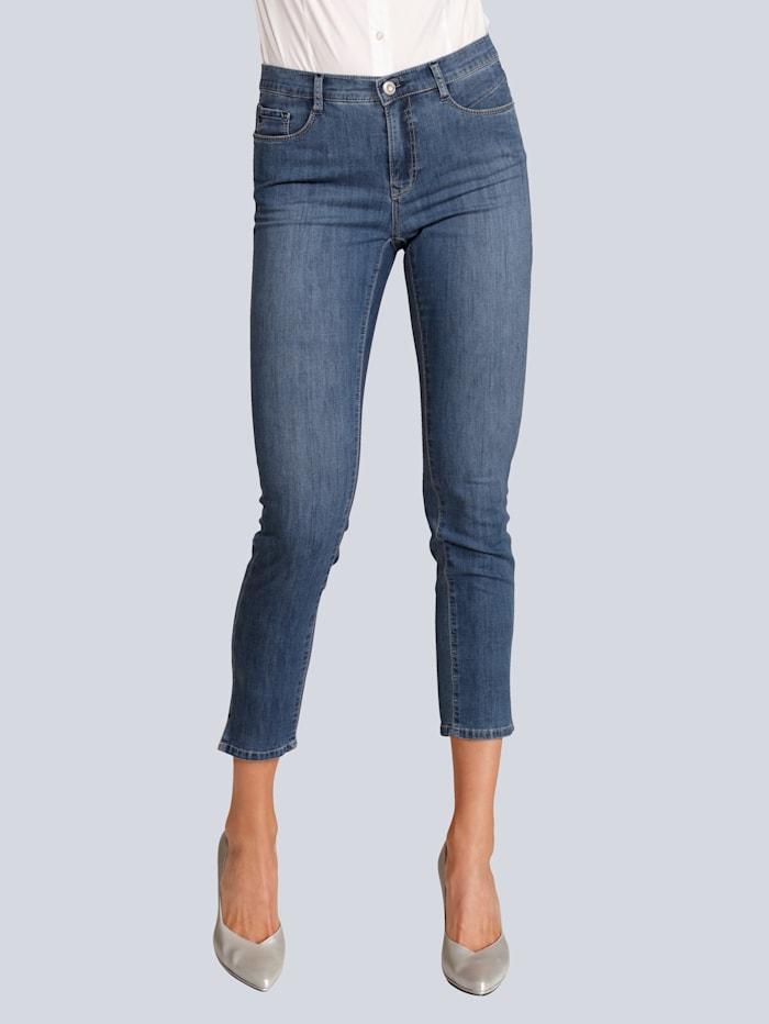Jeans in sommerlich leichter Qualität