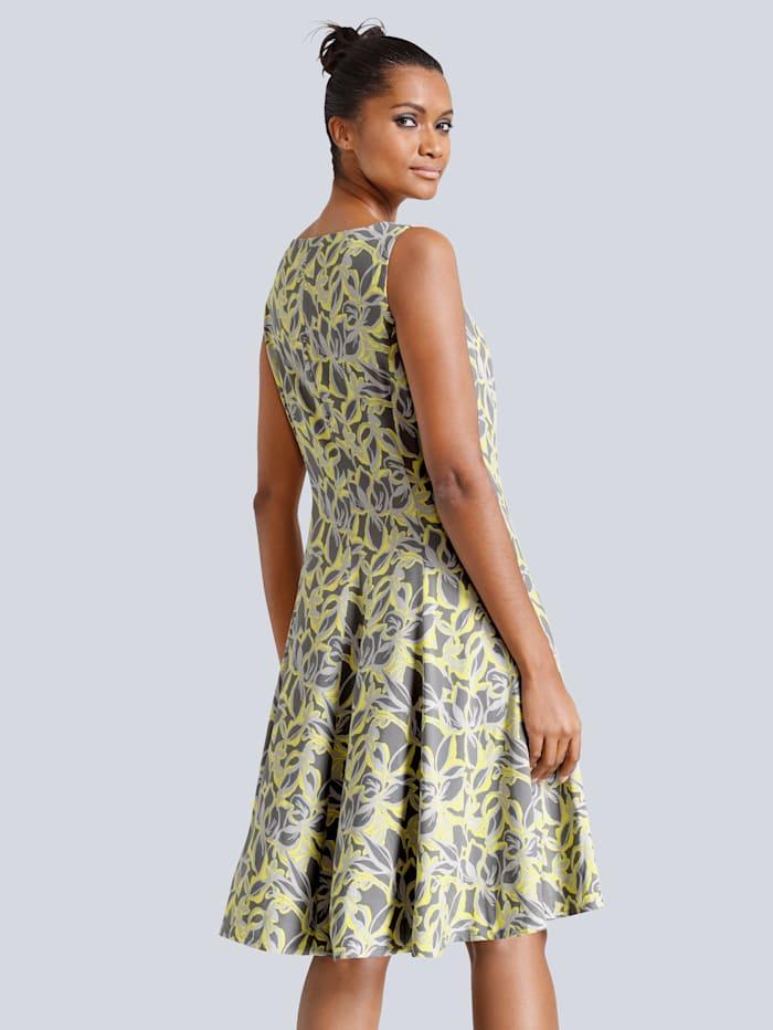 Kleid in verfremdeten Blumendessin