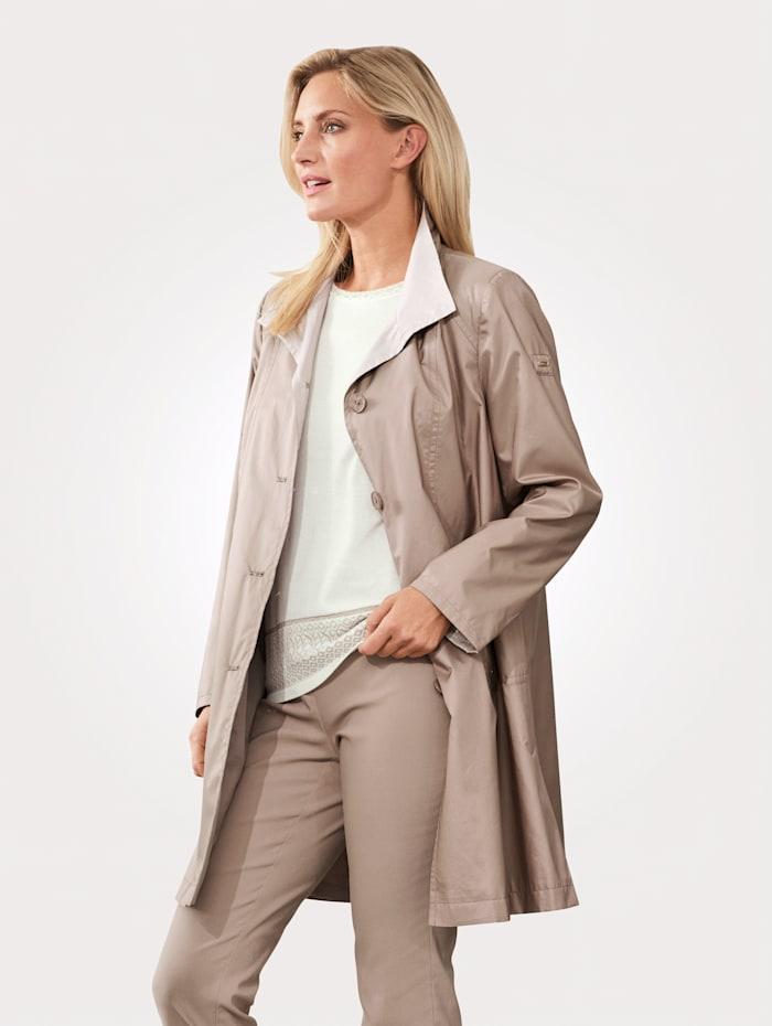 Kabát z hedvábní kvality z mikrovlákna
