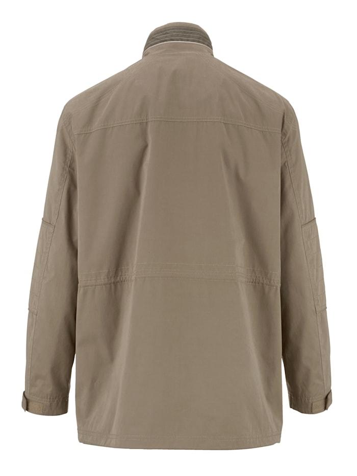 Dlouhá bunda s kontrastním vypracováním a ozdobnými švy
