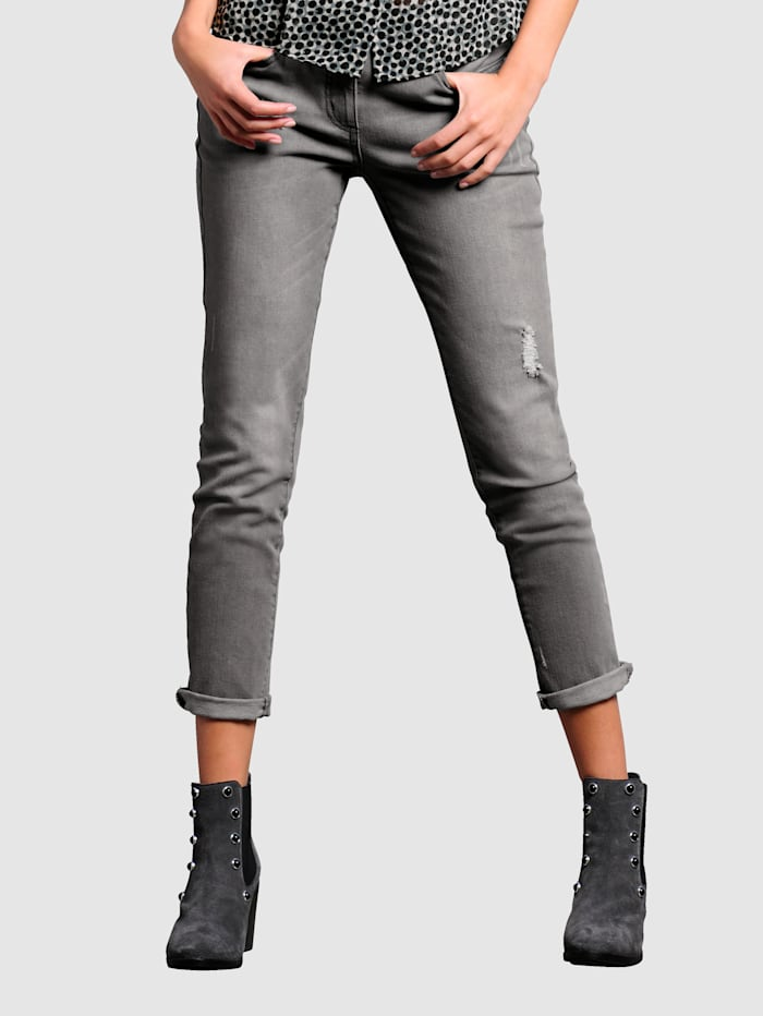 Jeans in boyfriend style