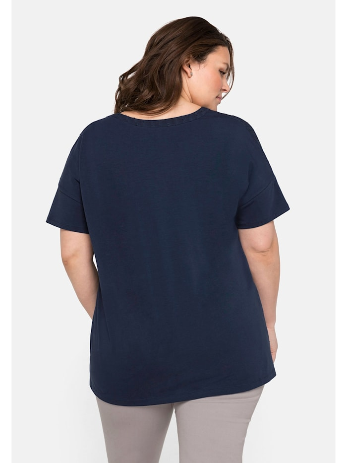 Sheego T-Shirt im Materialmix, mit Webmuster vorn
