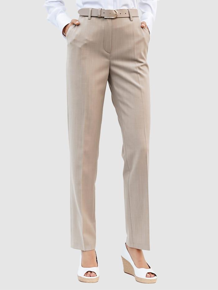 Nohavice s hodnotnou strižnou vlnou
