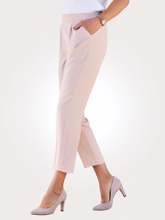 Cropped pull-on trousers with a sophisticated front crease