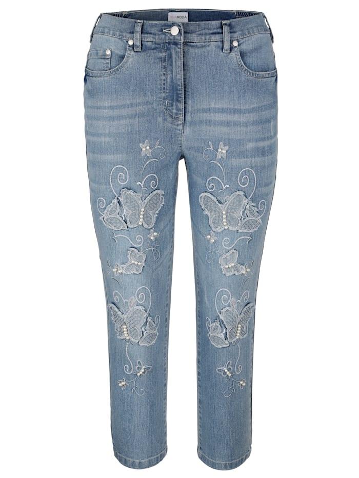 Džínsy s výšivkou motýľa a perličkami