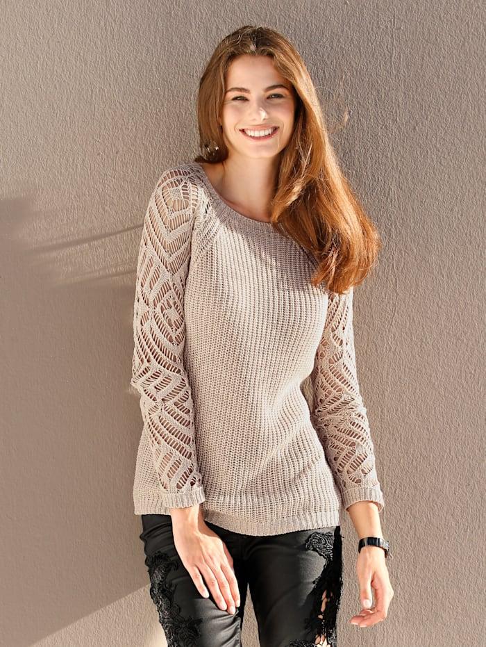 Pullover mit Ärmeln in Lochstrick