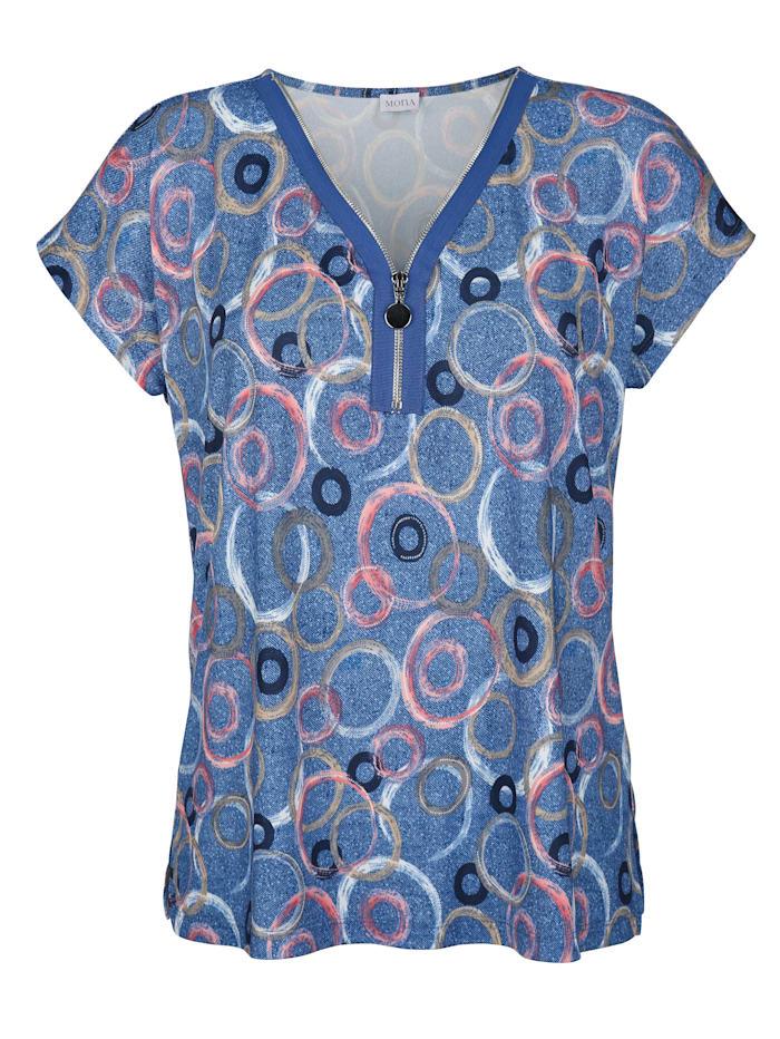 Shirt mit raffinierter Ausschnitt-Lösung