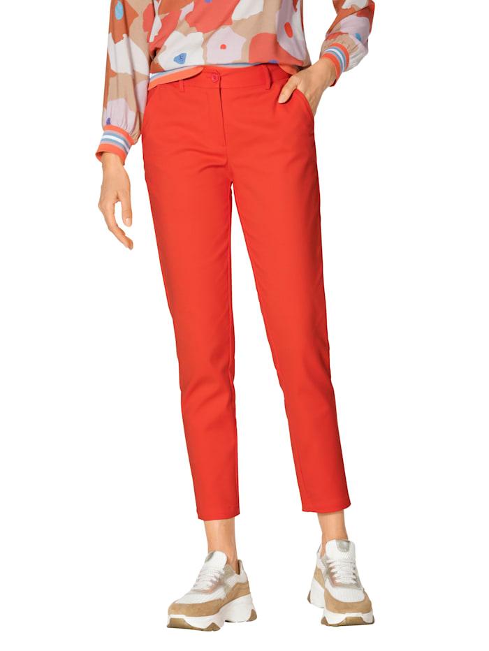 Pantalon chino au superbe coloris