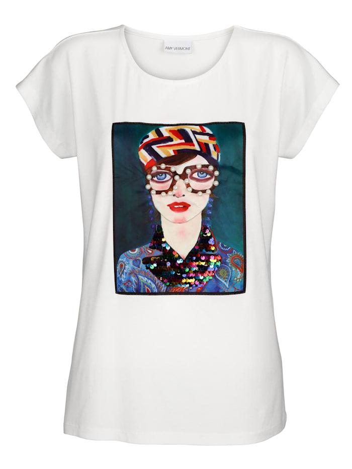 Shirt mit bedrucktem und dekoriertem Webeinsatz im Vorderteil