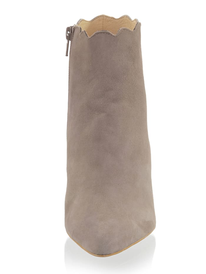 Stiefelette aus weichem Ziegenveloursleder