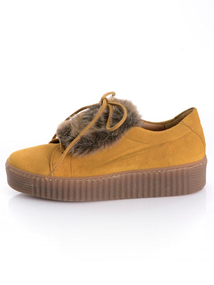Sneaker mit Kunstfelllasche