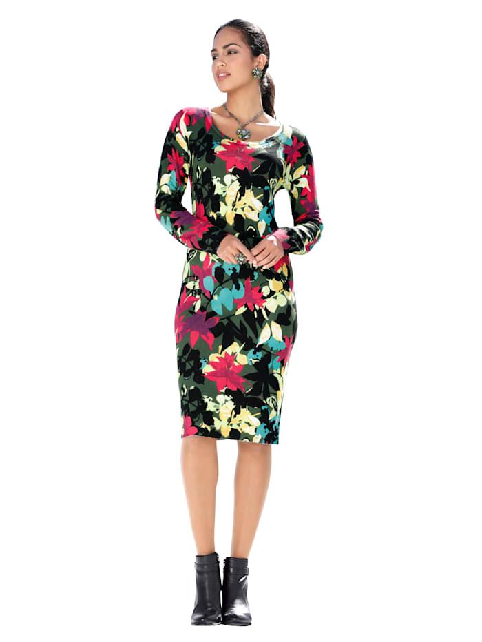 Stickad klänning med färgglatt mönster