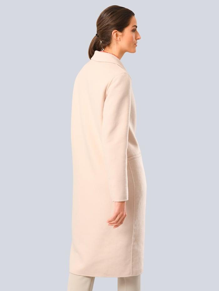 Manteau à teneur élevée en laine
