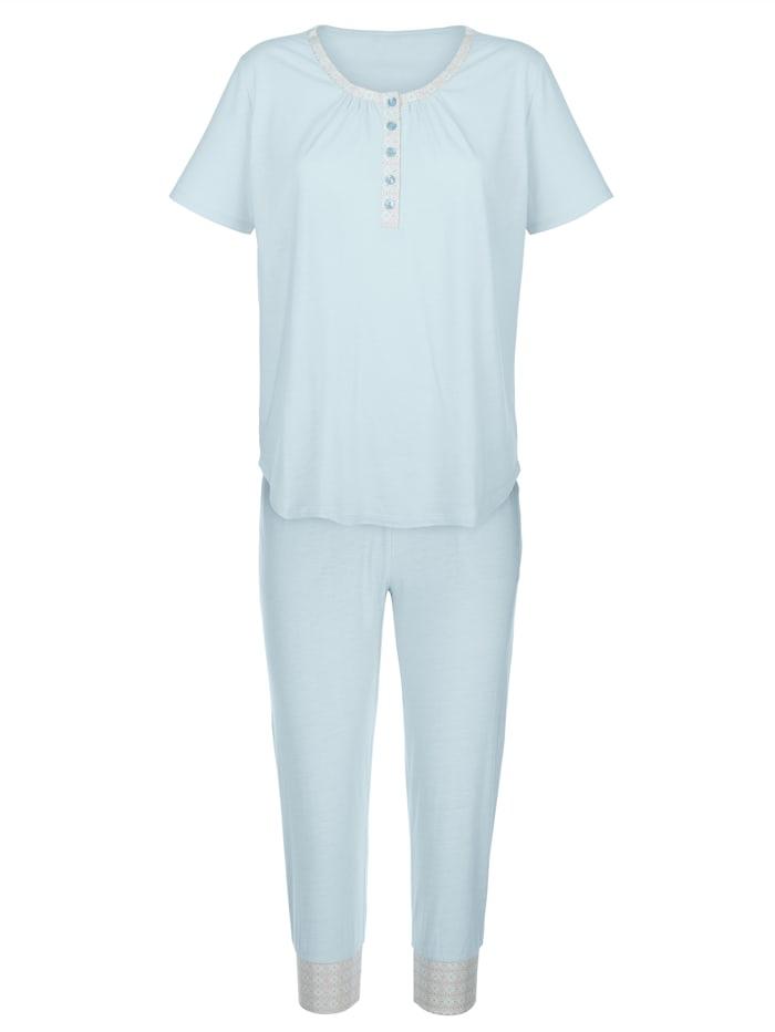 Schlafanzug mit bedruckter Paspelierung