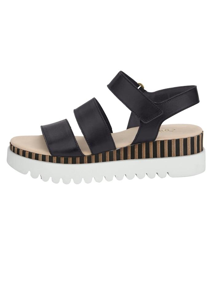 Sandaaltje met twee verstelbare klittenbandsluitingen