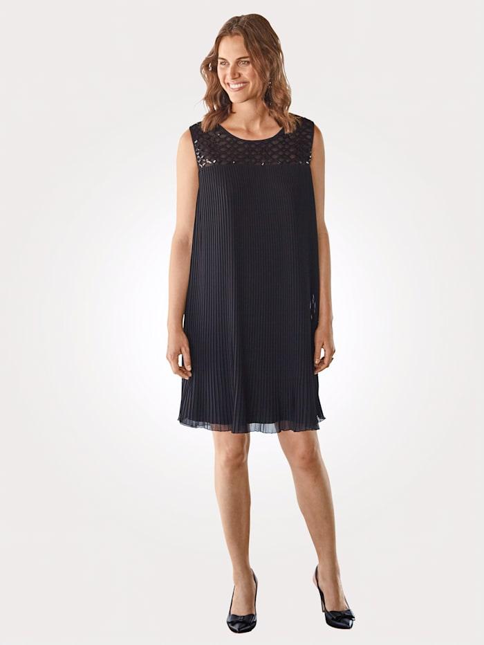 MONA Kleid mit Plissee-Falten, Schwarz