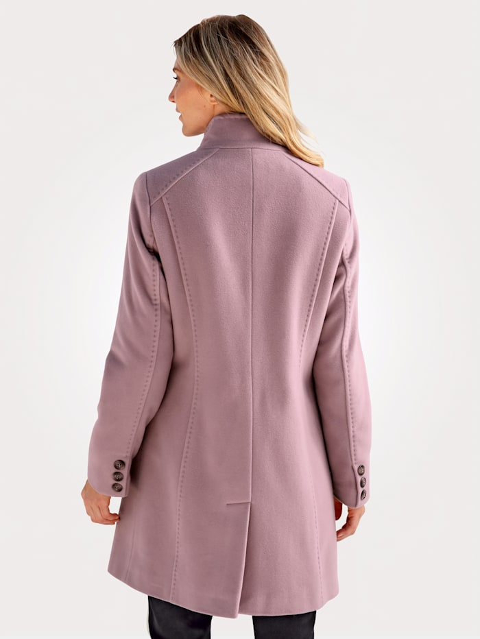 Short wool-blend coat with a touch of cashmere