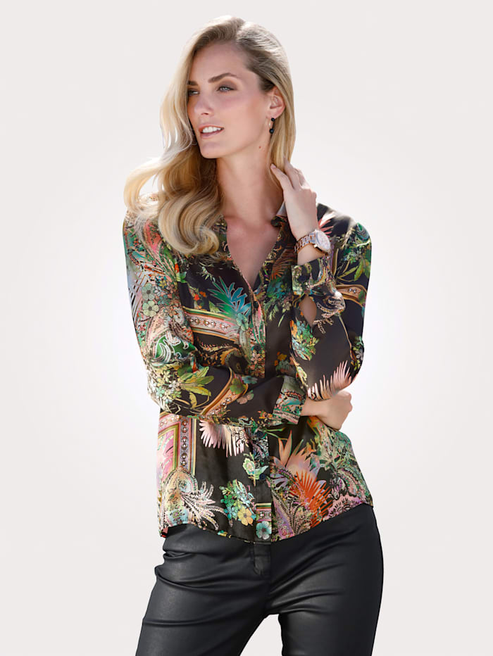 Silk blouse with a sophisticated print