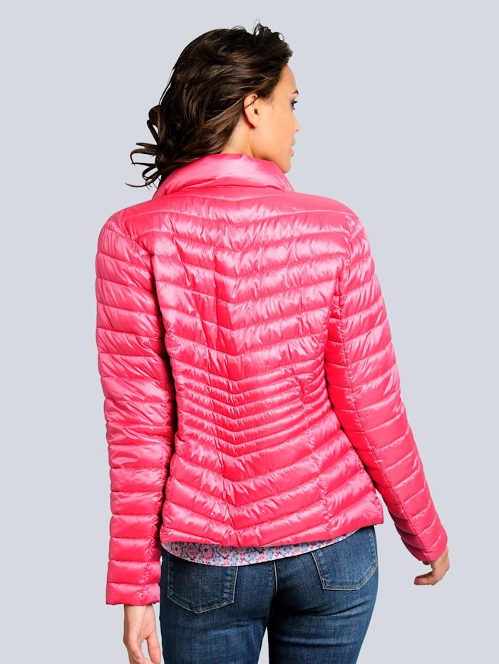 Jacke mit Zipper an den vorderen Eingrifftaschen