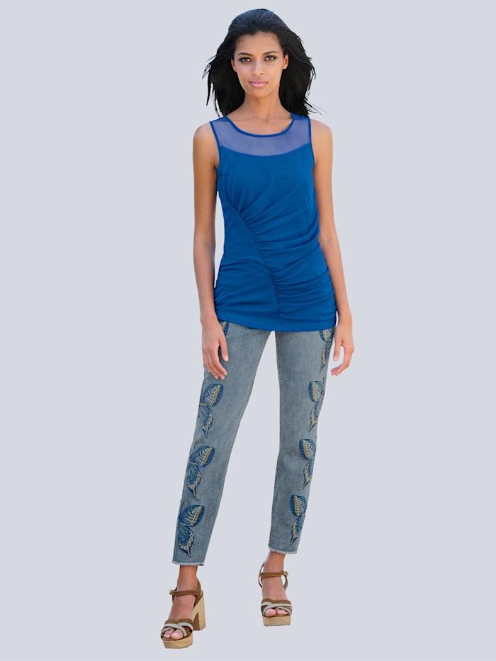 Jeans mit Schmetterlingsstickerei