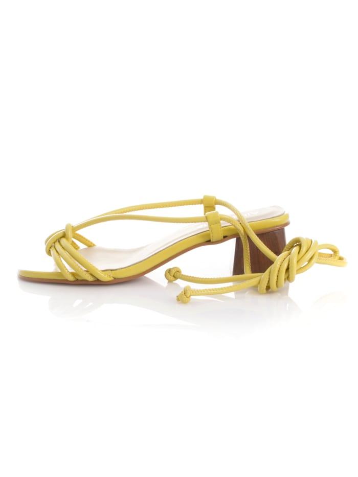 Sandales avec liens à nouer