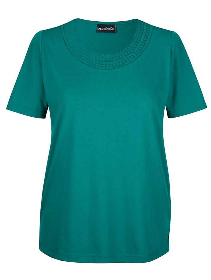 Shirt met fraai gehaakt kant voor aan de hals