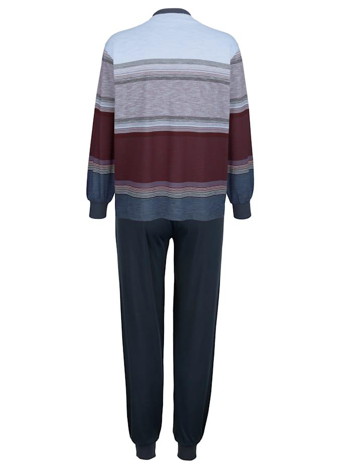 Pyjama en matière thermorégulatrice