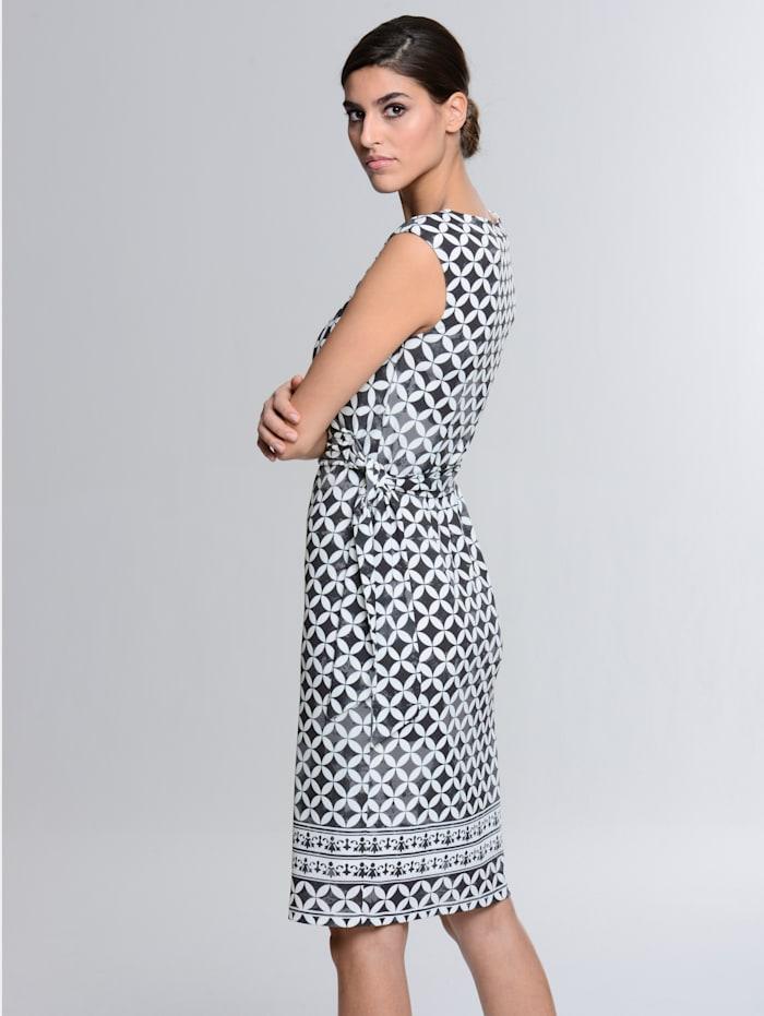 Kleid im Mosaik-Dessin