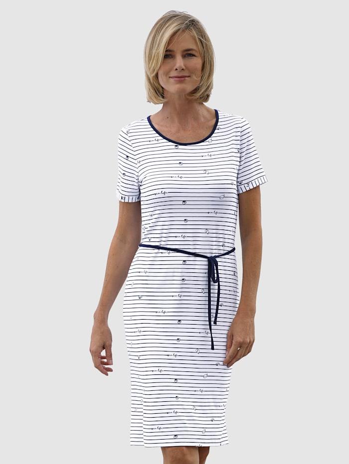 Kleid im maritimen Look