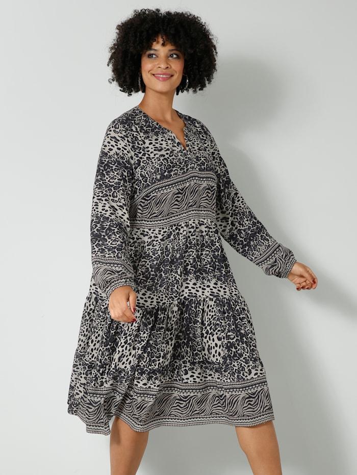 Web-Kleid mit kaschierenden Volants