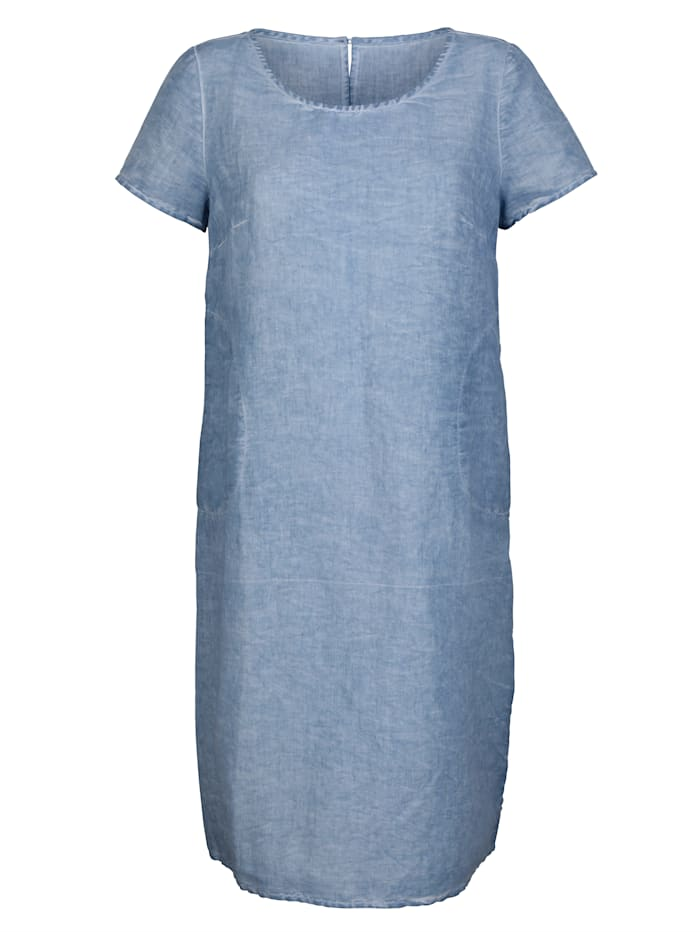 Dress in a cotton/linen mix
