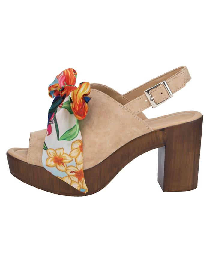 Sandales à plateau avec laçage floral en satin