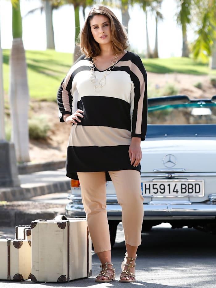 Sara Lindholm Pullover in etwas weiter geschnittener Passform, Schwarz/Off-white