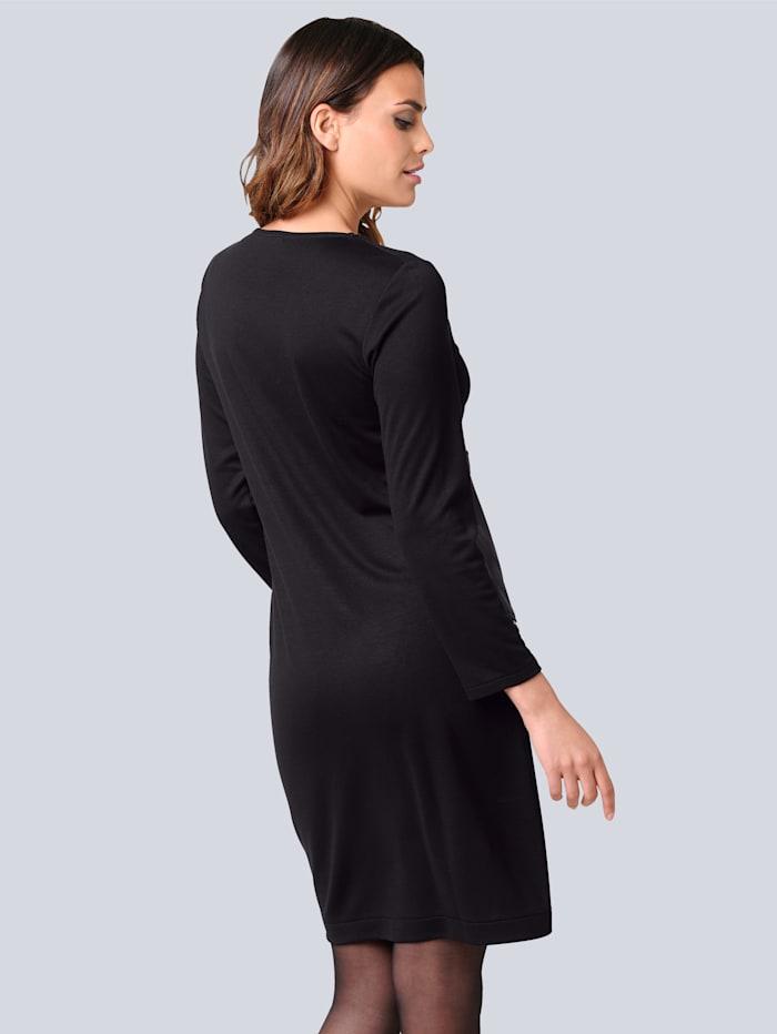 Kleid in modischer Patchoptik