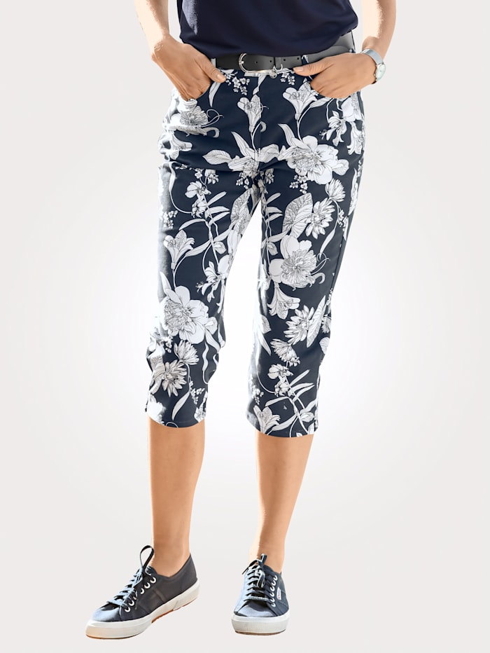 Capri trousers with a floral print