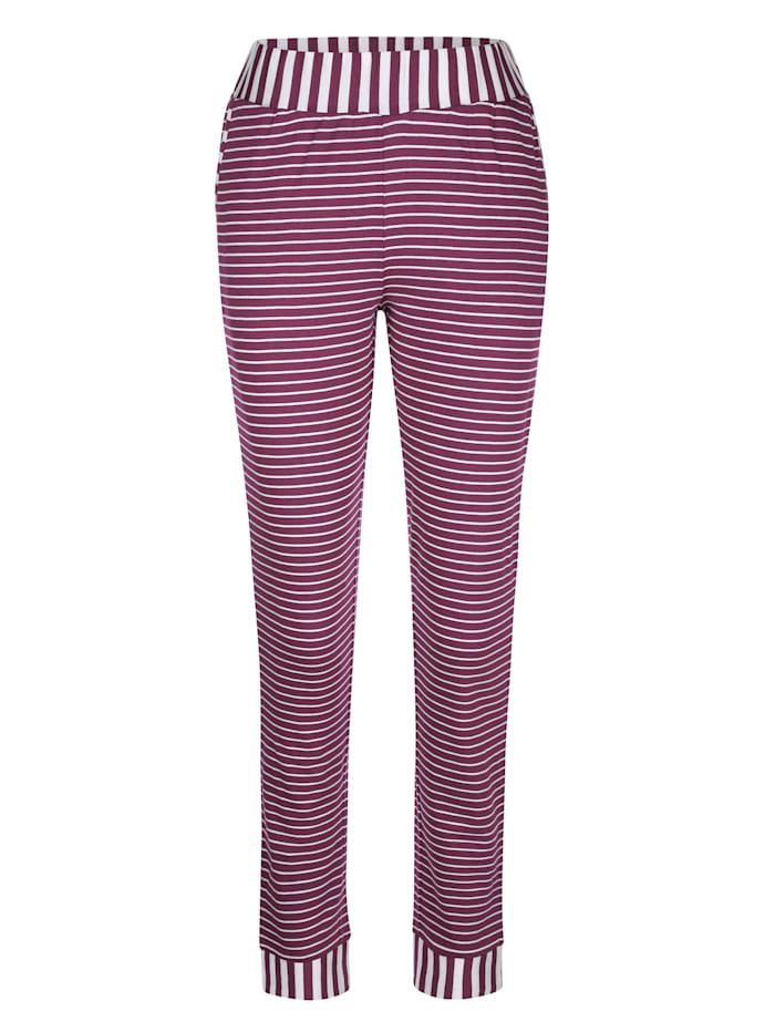 Pyjama à ravissant motif rayé