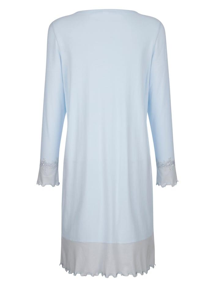 Nachthemd mit verspielten Wellensaumabschlüssen und Spitzendetails
