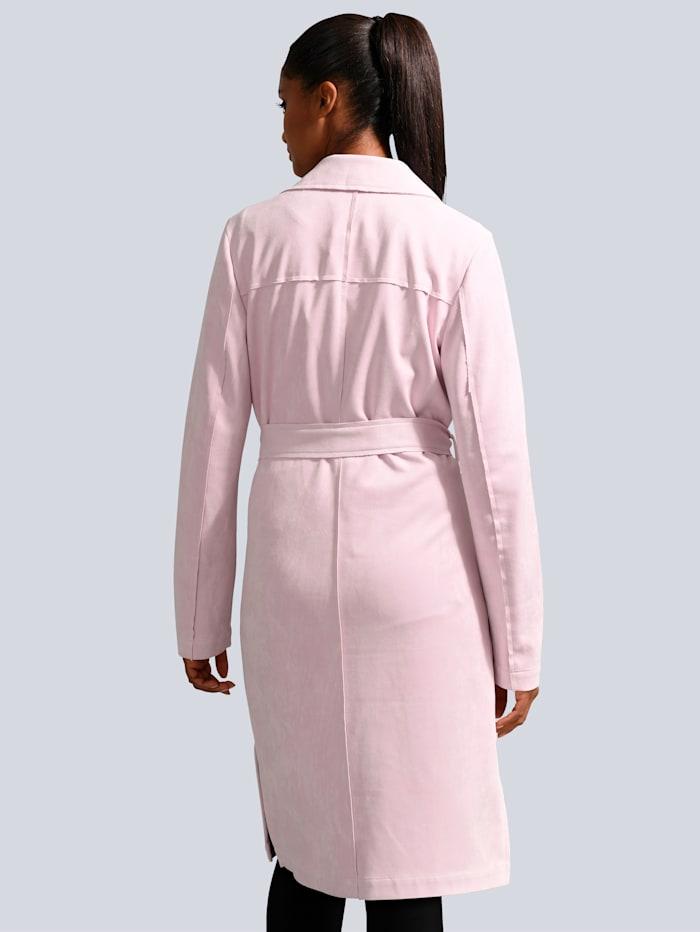 Mantel in modischer Zweireiher Form