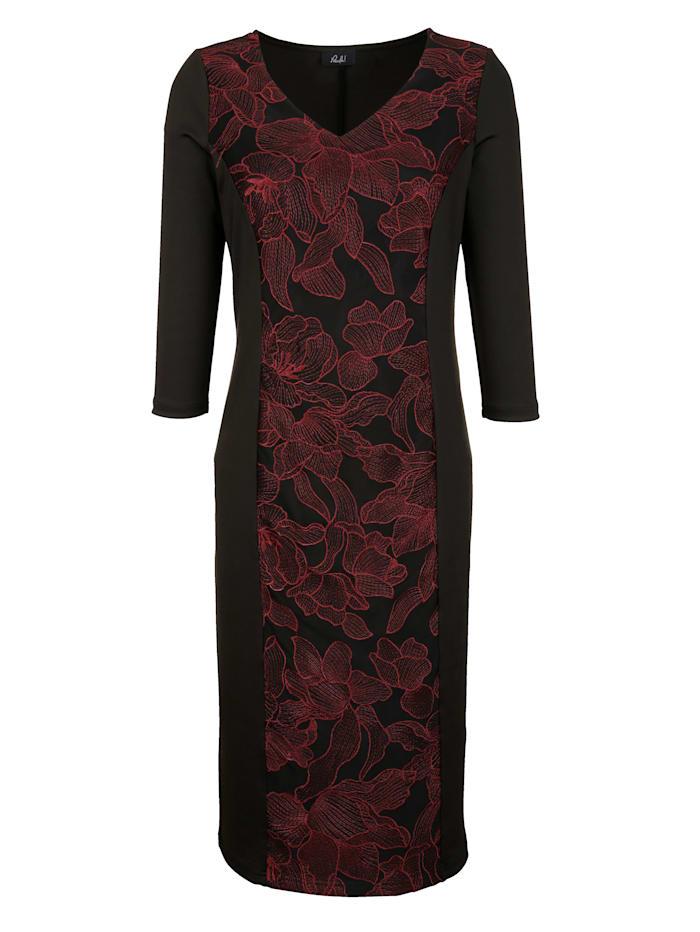 Šaty s módním květinovým vzorem vpředu