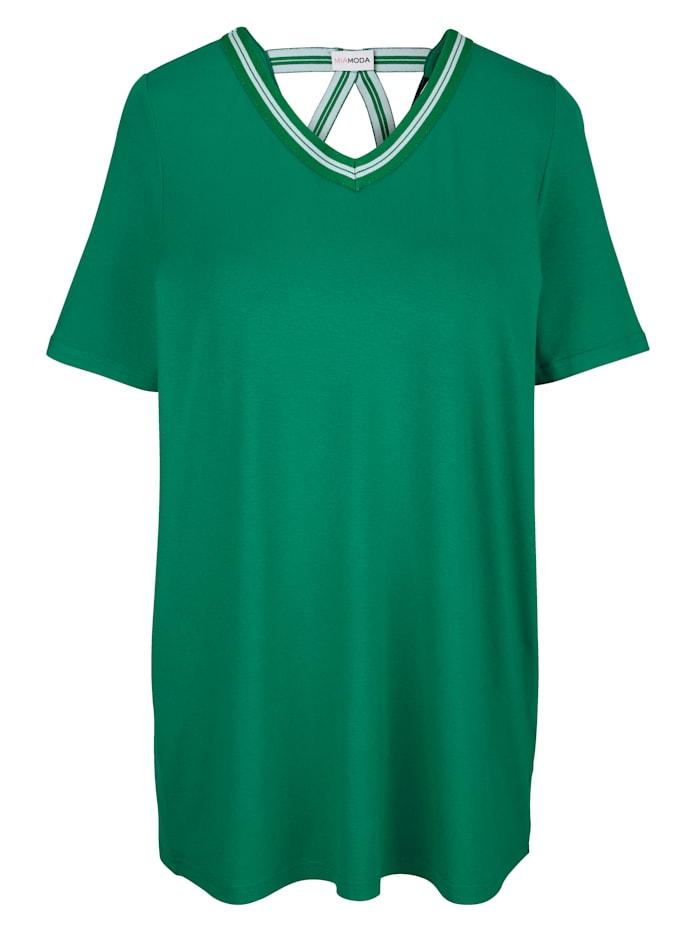 Shirt mit sportivem Dekoband am Ausschnitt