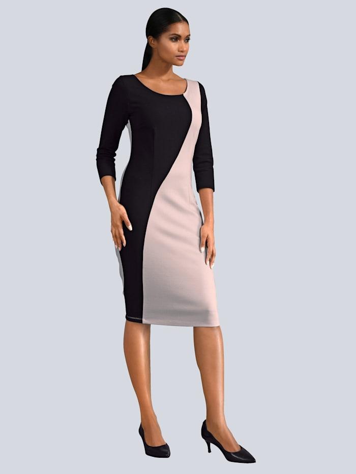 Kleid in femininer Silhouette