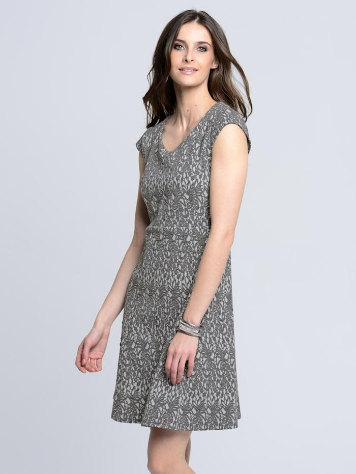 Kleid aus Jerseyware in Jacquardoptik